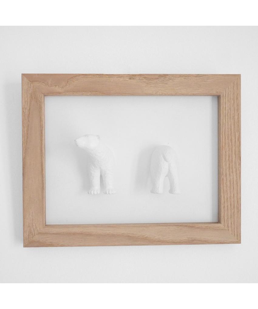 cadre en bois naturel avec un ours blanc porte bijoux